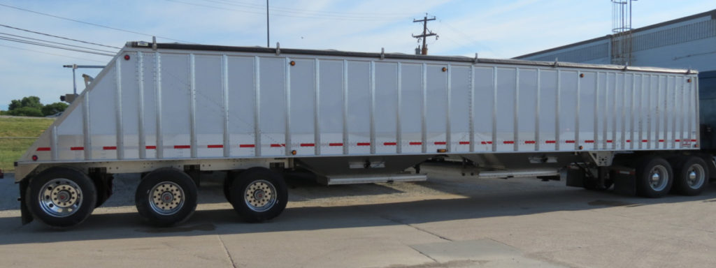 cornhusker800_3axlehoppertrailer_index